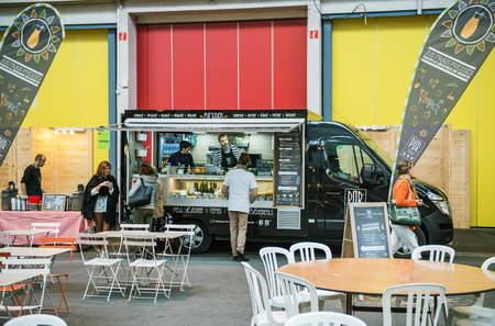 STRASBOURG, FRANCE - OCTOBER 30, 2015: Food truck in Strasbourg selling traditional Alsatian food for customers Éditoriale