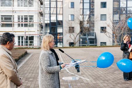 sexuel: STRASBOURG, FRANCE - 9 décembre 2015: Marja Ruotanen, Directeur de la dignité humaine et de la parole de l'égalité au cours de la première Journée européenne sur la protection des enfants contre l'exploitation et les abus sexuels