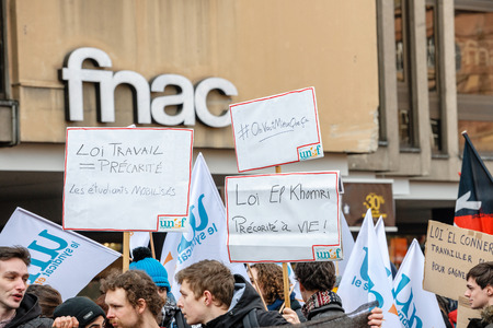 nationwide: STRASBOURG, FRANCE - 9 MAR 2016: On Vaut Mieux Que Ca placards as thousands of people demonstrate as part of nationwide day of protest against proposed labor reforms by Socialist Government