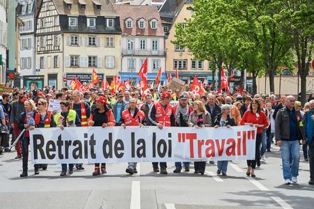 Straßburg, Frankreich - 19. Mai, 2016: Arbeitsreform Plakat während einer Demonstration gegen die vorgeschlagenen Französisch Regierung Arbeitsrechts Reform Pensionieren