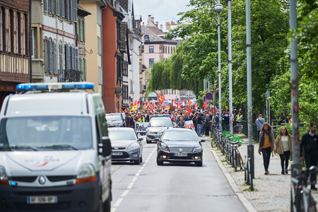conflictos sociales: STRASBOURG, FRANCE - MAY 19, 2016: Closed central street as demonstrations marching against proposed French governments labor and employment law reform