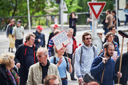 conflictos sociales: STRASBOURG, FRANCE - MAY 19, 2016: Debout les morts placard during a demonstrations against proposed French governments labor and employment law reform Editorial