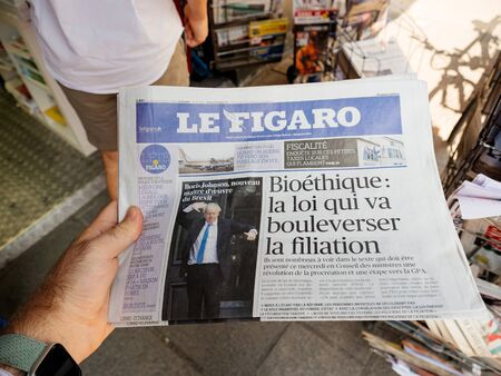 Paris, France - Jul 24, 2019: Boris Johnson appears on front page of the French Le Figaro newspaper after been elected new Conservative leader becoming Prime Minister of the United Kingdom 報道画像
