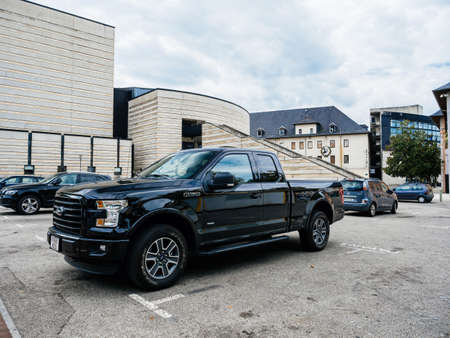Front view of new F-150 Ford a light-duty truck Éditoriale
