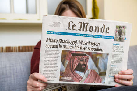 French Le monde newspaper with headline of Affaire Kasahoggi Banque d'images - 167821630