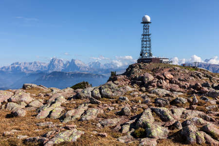 repeater antenna in the background of the Dolomites 版權商用圖片