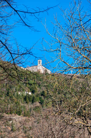 Gubbio, a medieval town in Umbria famous for the beauty of the area and for the events linked to San Francesco, Italy. View of the Basilica of Saint Ubaldo. Stockfoto