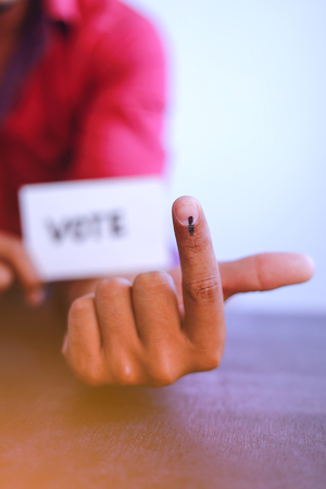 Indian Voter Hand with voting sign Banque d'images