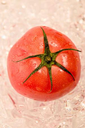 Reife Tomate Standard-Bild - 92850708