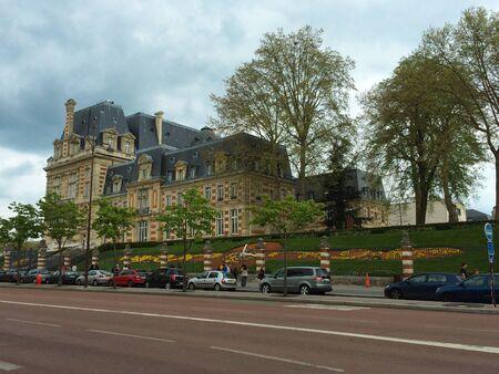 somewhere: somewhere in paris