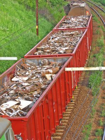 railtrack: Train with scrap � cargo vagons