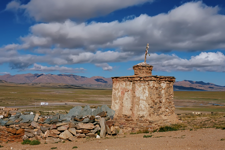 jainism: Ritual Buddhist construction - Stupa on the Tibetan plateau.