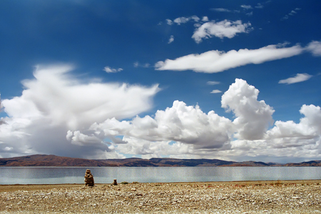 jainism: On the shore of Sacred Lake Rakshastal (4541 meters above sea level) in Western Tibet. Stock Photo