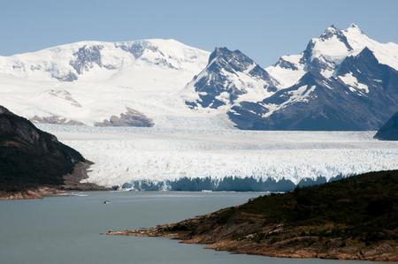 ペリトモレノ氷河 - エル ・ カラファテ - アルゼンチン 写真素材 - 54472949