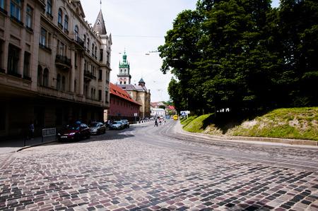 古い石畳の通り - リヴィウ - ウクライナ 写真素材 - 54895453