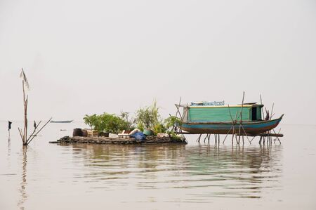 house float on water: Floating House - Tonle Sap Lake - Cambodia