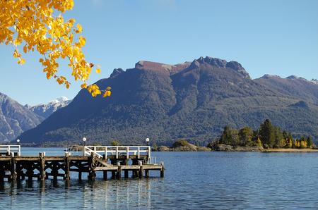 ナウエル ・ ウアピ湖 - バリロチェ - アルゼンチン 写真素材 - 55641154
