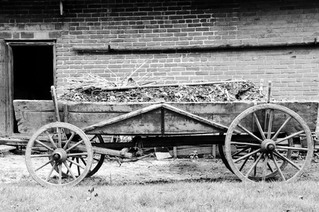 old wood farm wagon: Old Farming Chariot