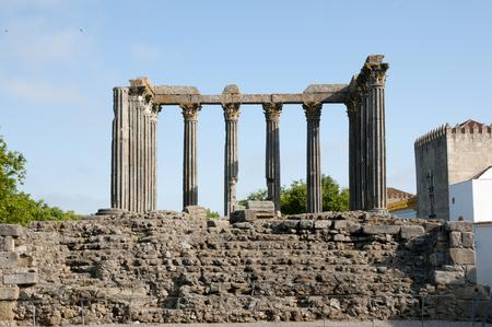 templo romano: Templo Romano - �vora - Portugal