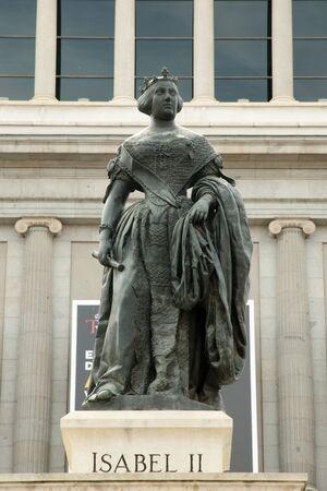 isabel: Isabel II Statue - Madrid - Spain