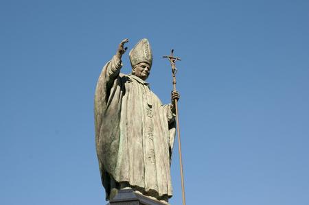 Papst Johannes Paul II Statue - Spanien Standard-Bild - 61953146