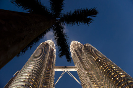 tallest bridge: KUALA LUMPUR, MALAYSIA - NOVEMBER 26, 2010: The tallest twin towers in the world designed by an Argentine architect Editorial