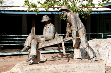 prospector: Los mineros goldrush monumento - Halls Creek - Australia