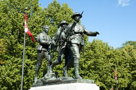 canadian military: War Memorial Monument - Charlottetown - Canada
