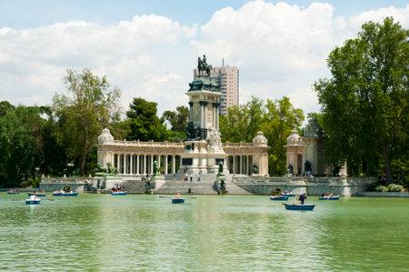 parque del buen retiro: Monument to Alfonso XII in Retiro Park - Madrid - Spain