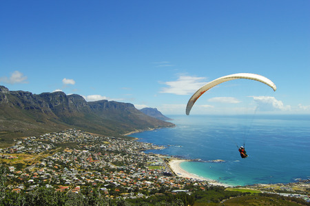 Paragliding - Cape Town - South Africa Фото со стока