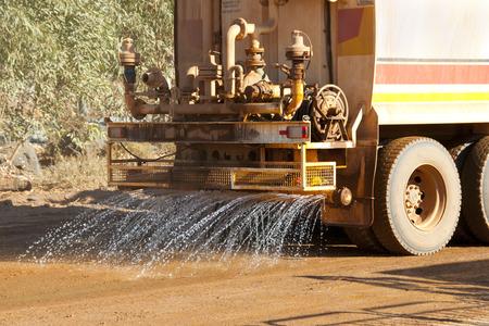 産業用水トラック 写真素材 - 92220255