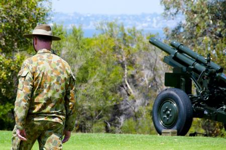 Soldier at Remembrance Day Gun Salute 版權商用圖片