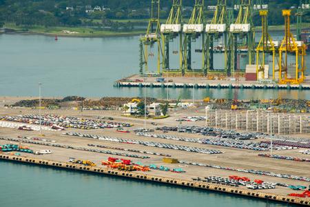 The Port of Singapore City Standard-Bild - 124837464