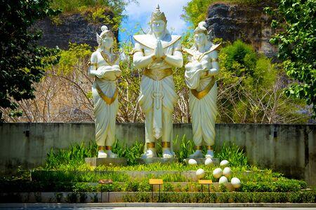 Plaza Bhagawan Statues - Bali - Indonesia 写真素材 - 133162506