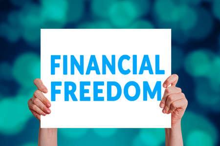Financiële vrijheidskaart met bokehachtergrond