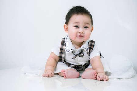 Portrait of cute baby, baby ist ein nettes asiatisches Kind Standard-Bild - 34843060