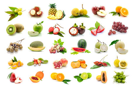 白い背景の上の果物のセットです。