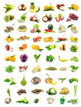verzameling van verse groenten en fruit geïsoleerd op een witte achtergrond Stockfoto