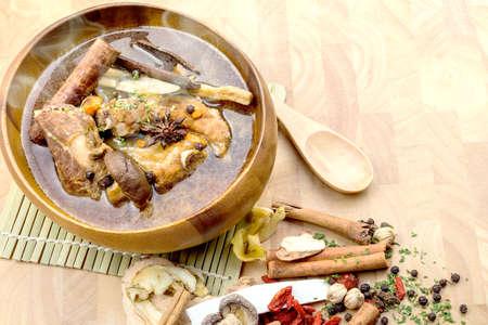 ba: Thai stew of pork and herbal soup, ba kut teh.