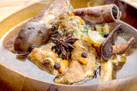teh: Thai stew of pork and herbal soup, ba kut teh.