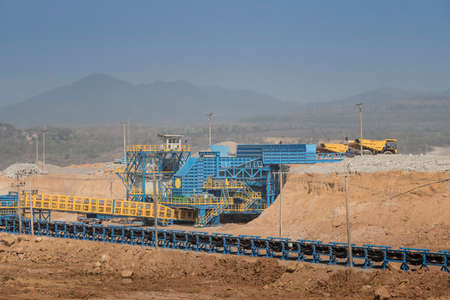 Coal Crusher is mining machinery, or mining equipment to crush coal from the large size to small size in open-pit or open-cast mine as the Coal Production.