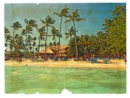 relaxar: descanso na praia, espreguiçadeiras, palmeiras, os bungalows. O cartão postal, em um grunge estilizado e estilo retro. Isolado no fundo branco