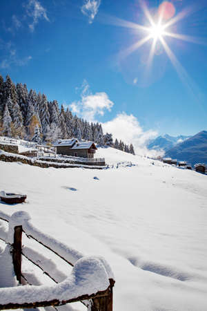 chalet in winter landscape - Valtellina Imagens - 135060968