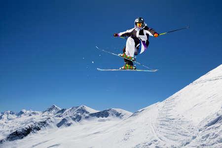 Antenne im Skistil in Aktion