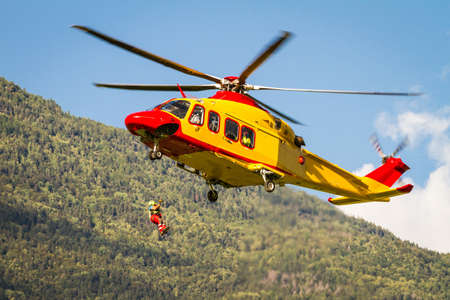 helicopter rescue in the mountains