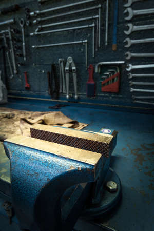 mechanical workshop - steel vice - details