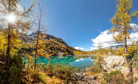 Valmalenco (IT) - Lagazzuolo Lake in autumn landscape Stockfoto