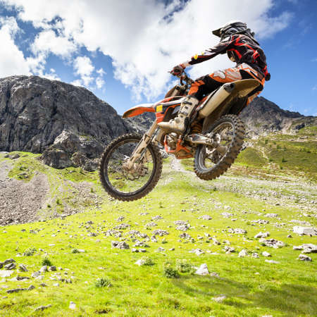 jump with motocross in the mountains Banque d'images