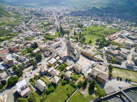 Tirano - Valtellina (IT) - View of the Basilica from above Reklamní fotografie