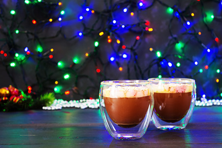 Cup of hot cocoa with marshmallows on Christmas background 版權商用圖片